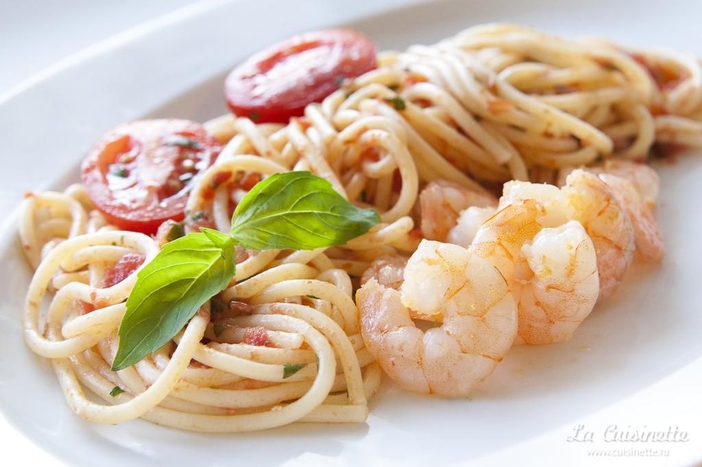 как приготовить спагетти с креветками и помидорками черри