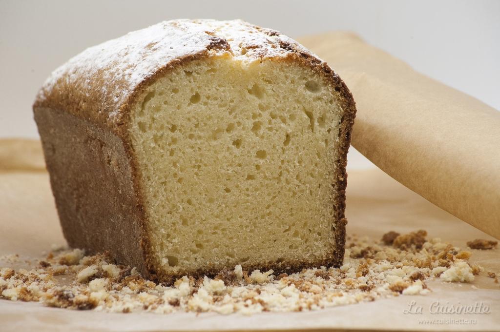 готовый кекс с сахарной пудрой